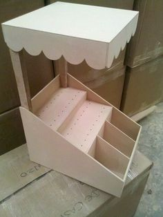 how to make a collapsible candy cart Candy Table, Candy Buffet, Porta Cupcake, Bar Deco, Wood Projects, Projects To Try, Do It Yourself Baby, Candy Cart, Craft Fair Displays