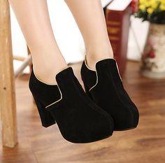 Kode : AWF-357 (Big Heels), Nama : Classic Black Heels Suede w/ Gold List, Price : IDR 175