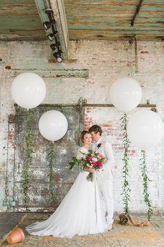 modern romantic wedding with Freixenet - photo by Sarah McKay Photography http://ruffledblog.com/modern-romantic-wedding-with-freixenet
