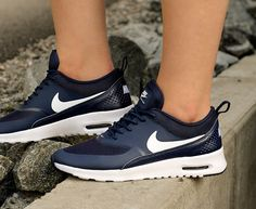 the best attitude a1643 33330 Nike Air Max Thea  Navy White Nouvelles Chaussures Nike, Chaussures Nike,  Talons