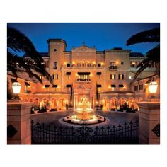 Photos of The Mansion at MGM Grand, Las Vegas Hotel Images ❤ liked on Polyvore featuring house, home, casa, rooms and maison