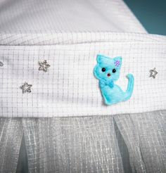 Lune de Ciel – Bébé – Ciel de lit pour bébé, qui protège des ondes électromagnétiques en créant une bulle autour de bébé http://home.emnest.fr/boutique/lune-de-ciel-bebe-chaton-bleu/