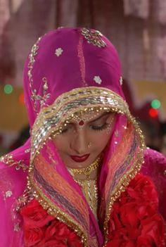 Bollywood Heroine, Indian Bollywood Actress, Beautiful Bollywood Actress, Indian Actresses, Beautiful Women Over 40, Beautiful Girl Photo, Beautiful Girl Indian, Most Beautiful Indian Actress, South Indian Bride