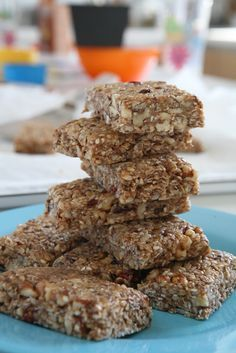 chocolate raw oat bars with chocolate Sweets Recipes, My Recipes, Cooking Recipes, Healthy Recipes, Diet Recipes, Greek Sweets, Greek Desserts, Food Network Recipes, Food Processor Recipes
