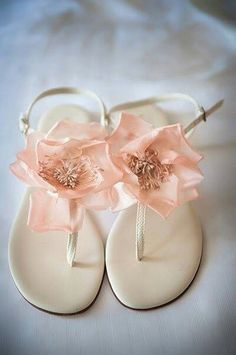 Wedding sandals - i could deal with these for bridesmaids too...