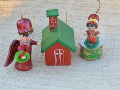 Wooden Christmas Ornaments Lot Red and Green by MendozamVintage