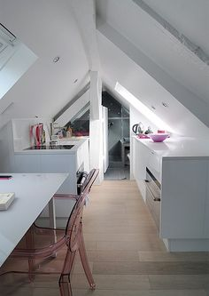In Paris, A Stylish Apartment That Fits Into A Tiny Space Under A Roof - DesignTAXI.com