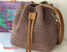 Crochet Basket Pattern, Crochet Tote, Crochet Handbags, Knit Crochet, Tote Bag With Pockets, Crochet Bag Tutorials, Sweet Bags, Yarn Bag, Casual Bags