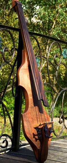 Beautiful thin solid body Upright fretless Bass, no frets, gorgeous dark wood fretboard: Dahrendorf Guitars Darwin EUB34 : Zen Inside Zen. #DdO:) - https://www.pinterest.com/DianaDeeOsborne/basses-of-life/ - BASSes of Life. Pinned via zeninsidezen.