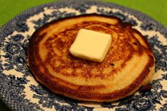 Sweet Tea and Cornbread: Cornbread Hoe Cakes Real Food Recipes, Cake Recipes, Cooking Recipes, Yummy Food, Bread Recipes, Fun Food, Brunch Recipes, Tasty, Cornmeal Recipes