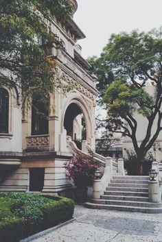 Colonia Condesa,Ciudad de México.  Reserva ahora... https://nationalcar.com.mx/ #NosotrosTeLlevamos