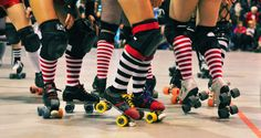 Roller Derby Skates, Roller Derby Girls, Roller Skating, Softball, Baseball, Derby Names, Track Roller, Roller Sports, Amor