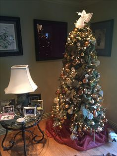 The 2016 Christmas tree.  Used green ribbon green tree.  All gold theme ornaments.
