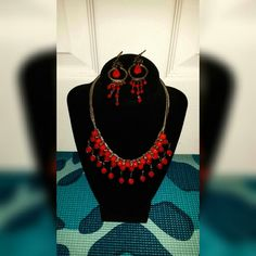 Indian Jewelry Set This vibrant Indian jewelry set can be paired NOT only with Indian attire, but with any cute dress, jumpsuit, romper, or skinny jeans. Good condition. Not branded just for exposure.  ✅Bundles ✅Reasonable Offers ✅Discount Shipping ALDO Jewelry