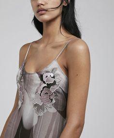 Embroidered velvet nightdress - 7