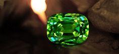 Grenat Démantoïde chez Juwelo, votre bijouterie en ligne