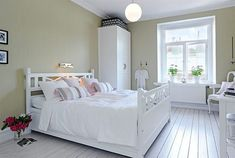 Swedish Design: North Home Street Flat in Linnestaden