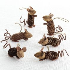 W8040 Winter Pinecone Friends - Mice Seasonal