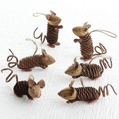 W8040Winter Pinecone Friends - Mice Seasonal