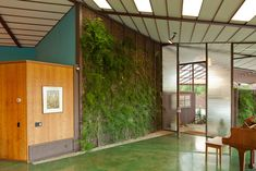 MID-CENTURIA : Art, Design and Decor from the Mid-Century and beyond: The Walker Residence