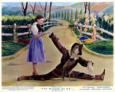About the classic Wizard of Oz movie: Cast interviews, behind the scenes, costumes & lots more - Click Americana Wizard Of Oz Quotes, Wizard Of Oz Movie, Wizard Of Oz Pictures, Ghost In The Machine, Land Of Oz, Yellow Brick Road, Judy Garland, Movie Photo, Look At You
