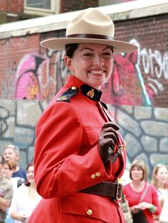 RCMP-female-officer - Royal Canadian Mounted Police - Wikipedia, the free encyclopedia
