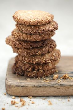 Teresa Cutter's healthy ANZAC Biscuits! This my favourite and based on traditional rolled oats combined with coconut, almond and heart healthy / anti-inflammatory  macadamia nut oil, it's hard to stop at one.