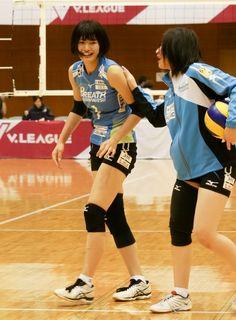 Japan Volleyball Team, Libra, Basketball Court, Seasons, Sports, Human Poses, Hs Sports, Virgo, Seasons Of The Year