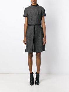 Kleid mit A-Linie und ausgefransten Kanten