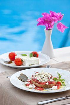 Cretan Dakos with Feta & Santorini Tomatinia