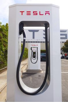 Tesla Motors Presents Supercharging At IAA And Announces Plans For European Network Expansion