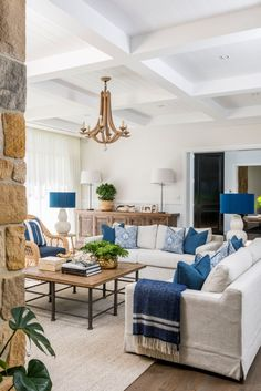 Australian Home Design Australian Home Design Schwinger Beatrice bschwinger Wohnen Neutral living room with blue and white color scheme Hamptons-inspired Living Room Neutral […] Living Room Blue And White Living Room, Cream Living Rooms, Coastal Living Rooms, Home Living Room, Hamptons Living Room, Blue Living Room Decor, Coastal Homes, Coastal Cottage, Coastal Style