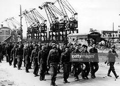 Photo d'actualité : Dieppe Raid, allied POWs, August 1942 Dieppe Raid, Troops, Wwii, Britain, France, World War, Canadian Soldiers, Prisoner, Underwater