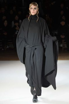 Yohji Yamamoto Fall 2015 Ready-to-Wear - Collection - Gallery - Style.com