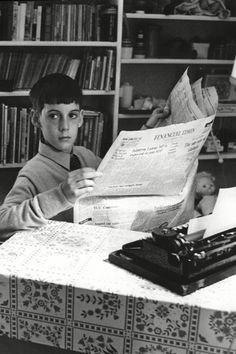 26 Pictures Of Politicians When They Were Younger Jacob Rees Mogg, Film Studies, Rich Kids, Freedom Of Speech, Beautiful Mind, Activists, Politicians, Journalism, Britain