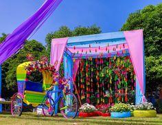 Simple & Stylish Decoration Ideas for Haldi Function Desi Wedding Decor, Summer Wedding Decorations, Wedding Mandap, Wedding Venues, Wedding Props, Valentine Decorations, Wedding Ideas, Mehndi Decor, Mehendi