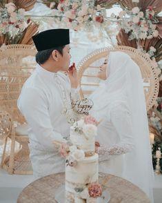 Wedding Looks, Lace Wedding, Dream Wedding, Wedding Dresses, Wedding Photography Contract, Bliss, Wedding Planning, Fit, Fashion