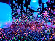 teamLab Borderless(チームラボ ボーダレス)(お台場) Light Em Up, Light Art, Pretty Photos, Love Photos, 21st Birthday Checklist, Iphone Wallpaper Photos, Tokyo Museum, Instalation Art, Large Christmas Baubles