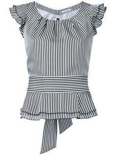 Shoppen Guild Prime Gestreiftes Top mit Volants Shop Guild Prime Striped top with flounces Blouse Styles, Blouse Designs, Shopping Outfits, Bluse Outfit, Mode Style, African Fashion, Blouses For Women, Designer Dresses, Fashion Dresses