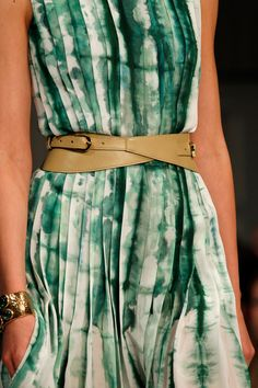 gorgeous green shibori style dress. Oscar de la Renta