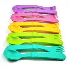 These Re-Play Kids Utensils from Dandelion are crafted from recycled milk jugs. They are the perfect option for fun, low-cost, kid-safe utensils that are naturally BPA-free and so fun to use. Utensil Set, Cutlery Set, Natural Parenting, Replay, Mugs Set, Baby Feeding, Recycling, Tableware, Milk Jugs