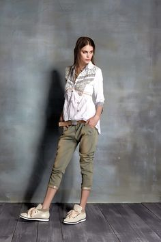 Elisa Cavaletti, Sport Chic, Spring Summer 2016, Ss16, Shabby Chic, Boho Chic, Capri Pants, Trousers, Couture