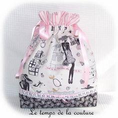 """Sac pochon lingerie - Tons de rose, blanc et noir motif """"parisienne"""" - avec ruban - Fait main.    J'ai cousu avec soin ce joli sac très féminin,  Trois belles cotonnades, un - 20474730"""