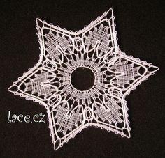Bobbin Lace Patterns, Lace Heart, Lace Jewelry, Lace Making, Crochet Crafts, Lace Detail, Christmas Crafts, Crochet Earrings, Butterfly