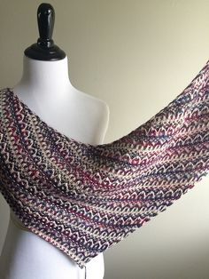 Ravelry: Project Gallery for Frieze Shawl pattern by Lisa Hannes