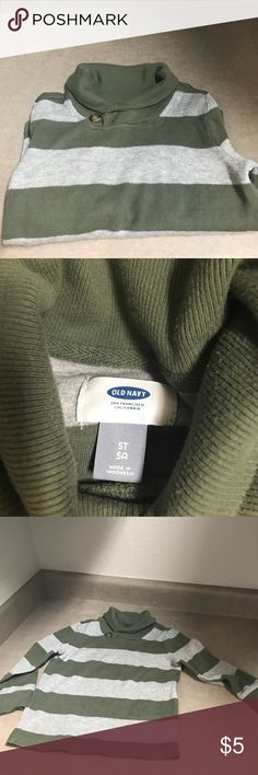 Long sleeve sweater old navy 5T ✨long sleeve boys sweater size 5T gently used from old navy ✨ Old Navy Shirts & Tops Sweaters
