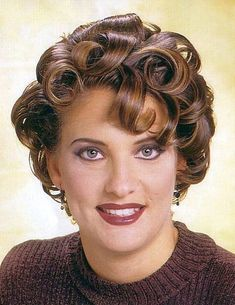 Vintage Hairstyles Curls Love her shiny curls.you can almost smell the setting lo… Short Permed Hair, Wavy Hair, Curly Short, Big Hair, Curly Bob, Long Bob Hairstyles, Vintage Hairstyles, Short Haircuts, Daily Makeup Routine