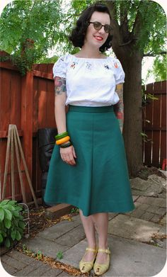 Finished project: bias-cut green skirt, paired with a peasant blouse & Miss L Fire shoes | by gum, by golly! #vintage #sewing