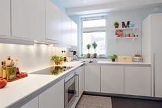 All-white kitchen models - Home Decoration White Kitchen Interior, All White Kitchen, Cozy Kitchen, Kitchen Sets, Kitchen Layout, Kitchen Decor, Kitchen Storage, Danish Kitchen, Swedish Kitchen