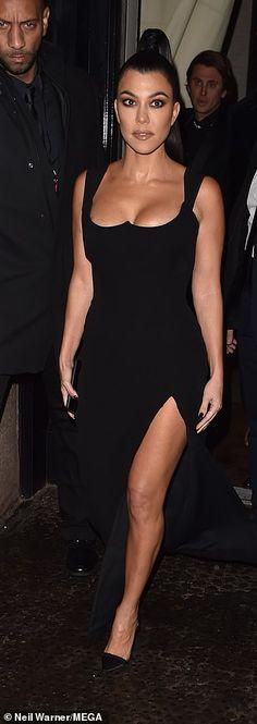 1de827c1b2de Kim Kardashian and Kourtney Kardashian color co-ordinate in black